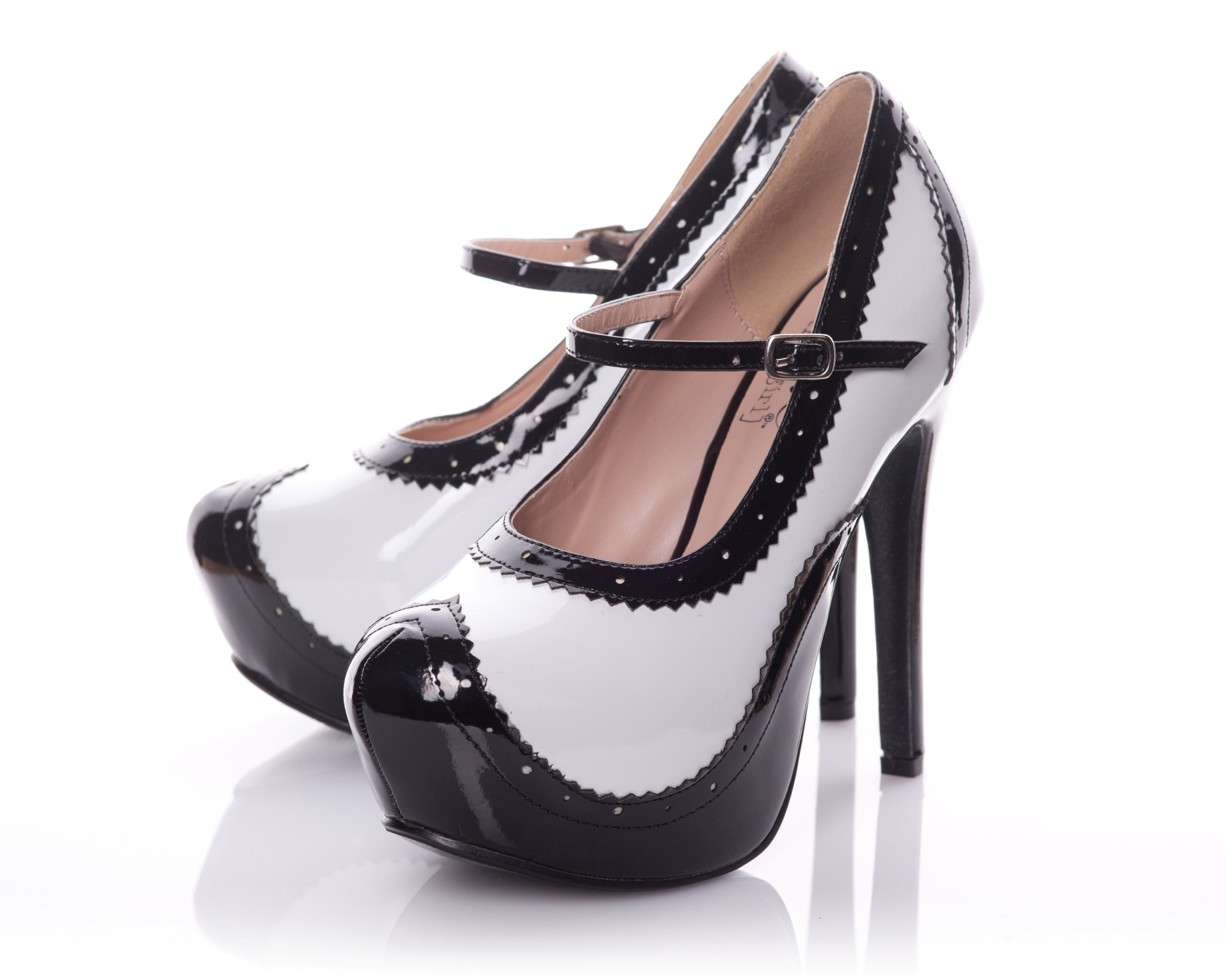 Playgirl Patent Rounded Toe Platform Pump In Black With White Contrast